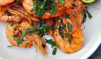 barbecue prawns with aioli