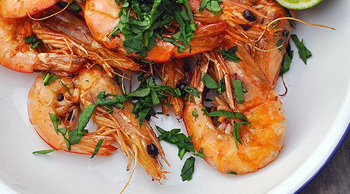 barbecue prawns with aioli